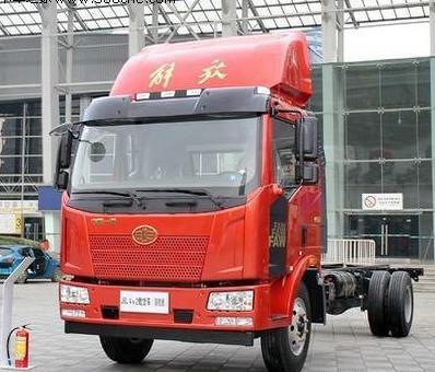 J6L 6.8米载货车 4X2智慧版(国五)